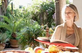 menopavza-kaksne-prehrane-bi-se-bilo-treba-drzati-po-50-letu-mag