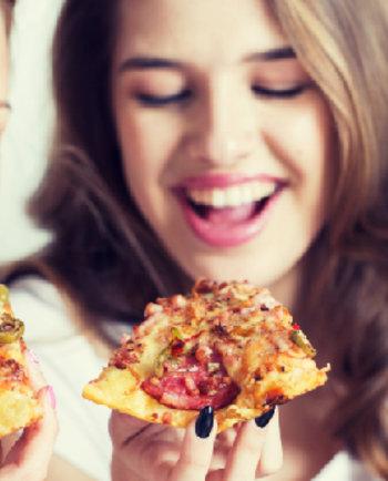 Ali je za moje akne odgovoren »junk food«? Pravilno ali napačno