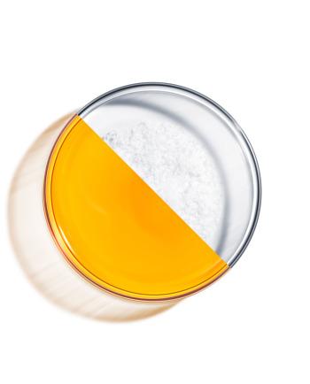 Bi morali uporabljati vitamin C in hialuronsko kislino hkrati?