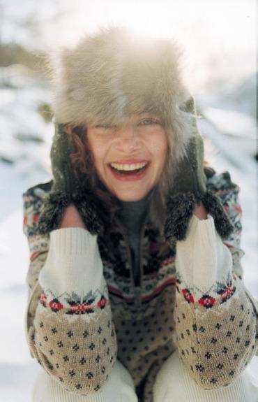Suha in srbeča koža v zimskih mesecih: vzroki in rešitve
