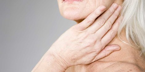 Zakaj je moja koža med menopavzo tako suha?