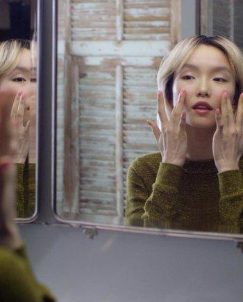Masaža obraza: izboljšajte sijaj svoje kože s to preprosto rutino