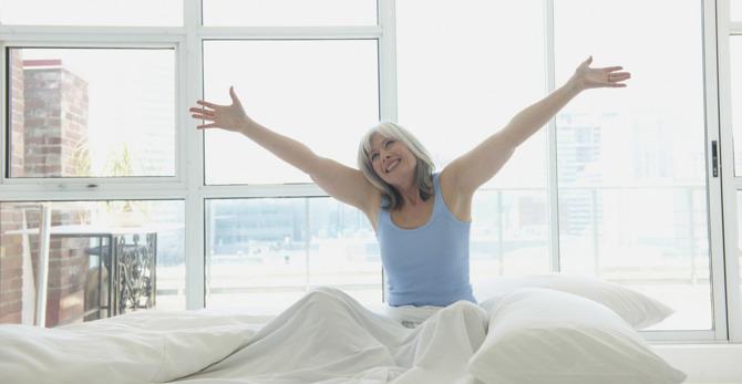 Spanje in menopavza – kako preprečiti vstajanje z levo nogo