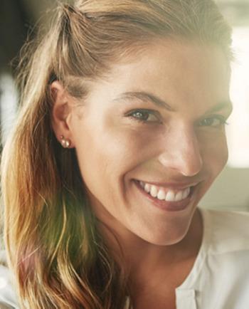 Razbijanje mitov: ko svetleča koža potrebuje anti-age nego