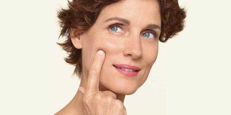 Kako lahko svoji koži pomagam med menopavzo? Najboljši nasveti za dobro rutino nege kože