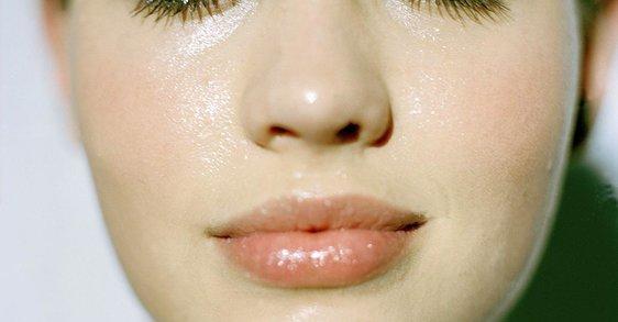 Kako najbolje skrbeti za vlaženje občutljive izsušene kože?