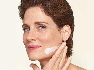 Menopavza: kaj lahko storim za vlaženje kože pri petdesetih?
