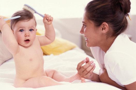 Kako se spopadati z izpadanjem las po porodu